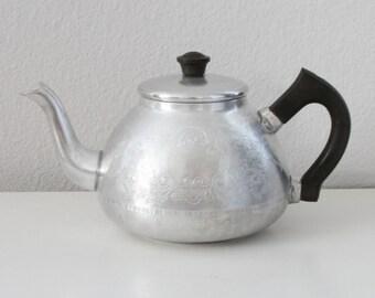 Vintage Aluminum Teapot - 4 Cup Teapot England