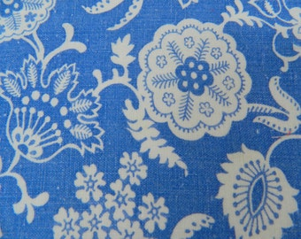 Vintage Feedsack ... 1940s - 1950s Floral Feedsack Fabric ... Delft Blue Material Remnant