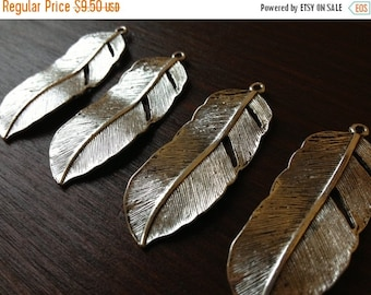ON SALE 10 x Antiqued Silver Natural Feather Charms Silver Feather Pendants