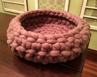 Cat Bed, Wool Cat bed, felted cat bed, purple pet Bed, Cat Cocoon, pet furniture, dog bed, Merino wool, chunky wool pet bed, Colors & sizes