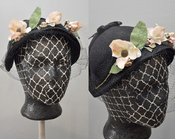 Daffadowndilly Hat | vintage 40s black straw hat | black net veil with floral accents