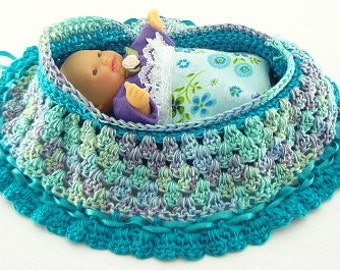 drawstring cradle purse childs toy crocheted church purse itty bitty baby bassinet BG137