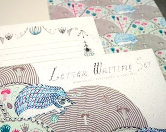 Letter Writing Set - Hedgehogs and Pinecones