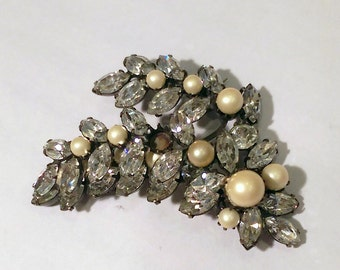 Regency signed pearl leaf brooch