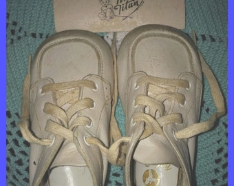 Vintage Tiny Titan Baby Infant Shoes Trainers Elk Leather White Original Box and Insert