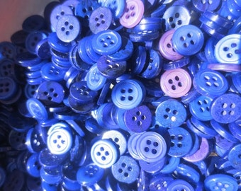 Pearl Buttons Bulk Lot Small 4 Hole (3800+) 384 grams Blue Purple BlueBerry Mix