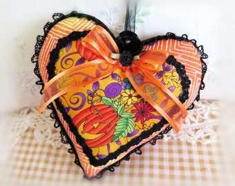 Halloween Heart Pillow Halloween Door Hanger Pillow, 5 inch, Edgy Halloween, Cottage Chic Cloth Handmade CharlotteStyle Decorative Folk Art