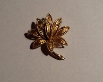 Vintage Fall Leaf Brooch
