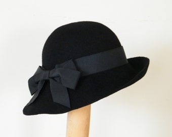 black winter cloche hat / ladies black wool felt hat / Downton Abbey 20s hat  / Miss Fisher hat /  ladies wool hat UK