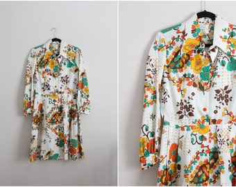 Thats 70's Dress / 1970s dress / Pointed collar dress / Pointy Collar / Size S/M