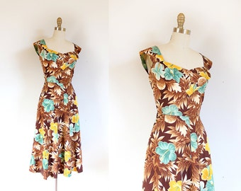 50s floral vintage Hawaiian sun dress in larger size volup