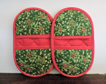 Mini Microwave Mitts-Oven Mitts-Pinchers-Green Holly w/Red Trim-Free Shipping