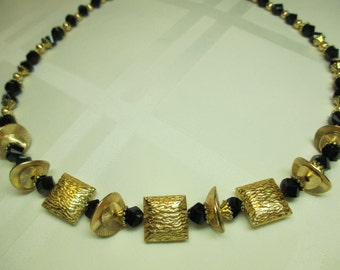 Sparkly Bold Necklace in Black