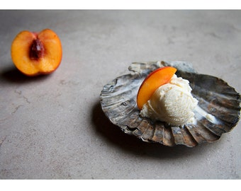 Peaches // Food Photography // Kitchen Decor