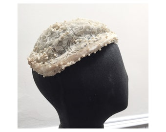 Vintage 1950s Beaded & Lace Bridal Hairpiece/Fascinator