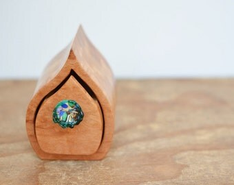 Small wood box. Ring box. Wedding ring box. Bandsaw box. wood grain. australian wood. glass drawer knob. teal aqua sculptured glass