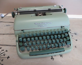 Portable Mist Green Remington Quiet Riter Eleven Remington Rand Typewriter Vintage Typewriter Retro Typewriter Manual Typewriter Seafoam