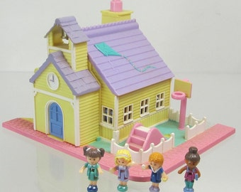 1993 Vintage Polly Pocket COMPLETE Schoolhouse Bluebird Toys (38625)