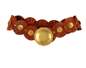 Vintage 1970's Brown Leather Circle Boho Hippie Wide Studded Grommet Brass Waist Hip Belt M