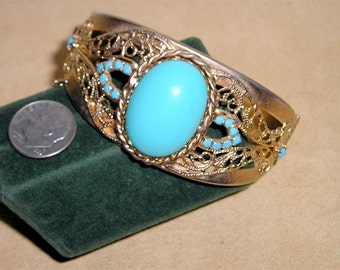 Vintage Hinged Filigree Bracelet With Robins Egg Blue Glass Cabochon 1960's Jewelry 7005