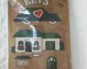 Vintage Wooden House Key Organizer Rack - funky fun retro - NOS new old stock NIP in package wood keeper hooks