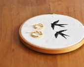 Wedding ring holder - Embroidered swallows - andorinhas bordadas