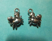 2 Adorable Antique Silver Plate Dimensional Crab Charms Two-sided Drops Charm Jewelry