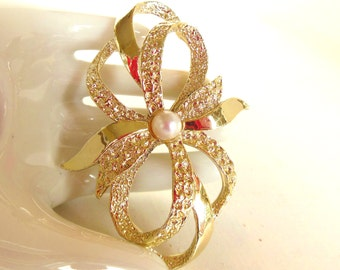 Vintage Gerry's Bow Brooch Pearl Gold 60's (item 169)