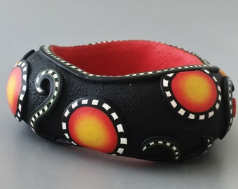 Bangle. Polymer clay bracelet.  Australian aboriginal pattern bangle.