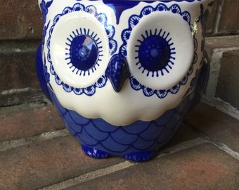 Delft Blue Owl Planter