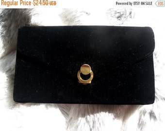 Christmas In July Sale Vintage Black Velvet Clutch 1960's Black Tie Formal Purse Mad Men Mod Mid Century Handbag