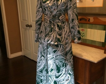 Vintage Hostess Gown Blouse and Skirt Self Belt Green and White Three Flaggs
