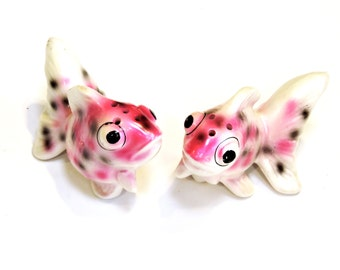 Vintage Ceramic Fish Salt and Pepper Shakers, Cottage Chic Beach House Kitsch Home Decor itsyourcountry