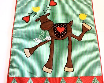 Whimsical Reindeer Wallhanging, Patchwork Machine Applique Vintage Handmade Fabric Wall Christmas Home Decor itsyourcountry