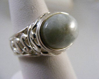 Fancy Vintage Jadeite Sterling Silver Ring.....  Lot 4393