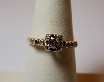 1940s Diamond Engagement Ring .33Ctw Yellow Gold 14K 2.2gm Size 6.5 Great Diamonds