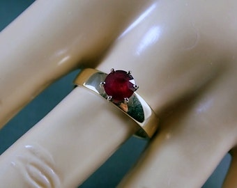 Ruby Solitaire Ring 6.5mm wide one Carat Yellow Gold 14K 3.1gm Size 7.75 Wedding July Birthstone
