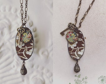 """Tin Jewelry Necklace """"Cafe Paisley"""" Tin for the Ten Year Tenth Wedding Anniversary"""
