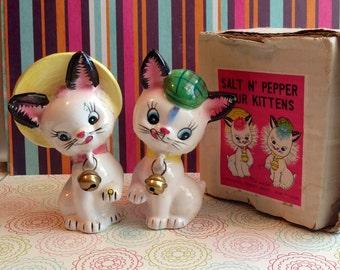 Ultra Kitschy Cute Salt N' Pepper Furry Kittens Original Boxed Set