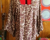70's Japanese silk kimono w/ flowers and metallic silver accents m l xl xxl 2xl
