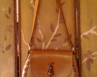 70s leather hand tooled hippie / boho shoulder bag