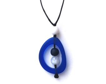 Modern Minimal Nursing Necklace - Baby Safe Breastfeeding Necklace - Monkey Mama Twiddle Buster - Blue, White, Pearl, Navy - Nautical