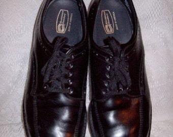 Vintage 1970s Men's Black Work Oxfords by Knapp Shoes Size 11 D Only 7 USD