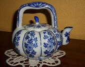 Mini CHINESE BLUE TEAPOT/Mellon Shaped/Gourd/Blue Chinese Style
