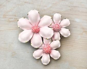 ON SALE Vintage Light Pink Enamel Flower Brooch / Gold Tone Setting
