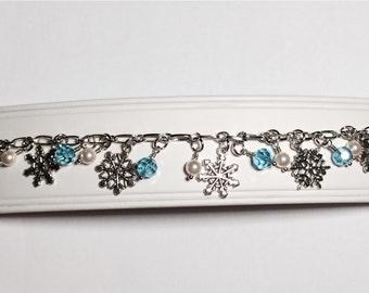 Snowflake Charm Bracelet Bridesmaid Gift Winter Mom Girlfriend Sister Women's Gift