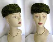 True Vintage 1950s 60s Hat - Dayton's Green Feather Pill Box Hat