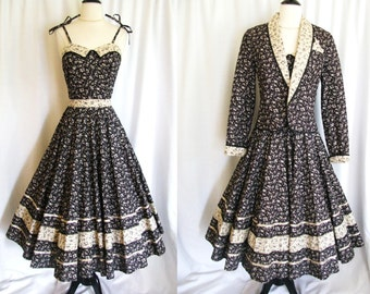 Vintage 1970s Dress - Black Cream Calico Cotton Sundress w/ Full Circle Skirt & Quilted Jacket - XS