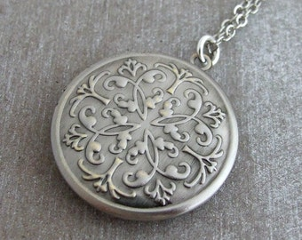 Silver Locket .. Moroccan locket, antique silver plated locket, folk locket, round locket, Boho locket