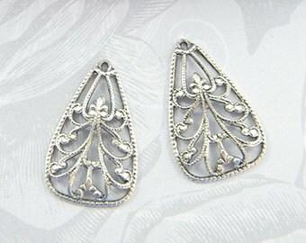 Antiqued Silver Filigree, Earring Dangle, Filigree Charm, Brass Pendant 17mm x 25mm - 4 pcs. (sl110)